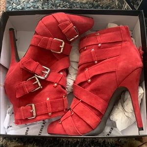 Zigi girl Red strapped booties